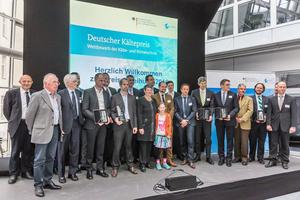 """<div class=""""bildtitel"""">Die Preisträger des 5. Deutschen Kältepreises mit Umweltministerin Barbara Hendricks</div>"""