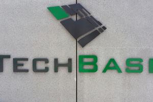 """<div class=""""bildtitel"""">Die TechBase wurde im April 2016 eingeweiht.</div>"""