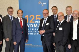 """<div class=""""bildtitel"""">Vorstand VDMA Allgemeine Lufttechnik</div>"""