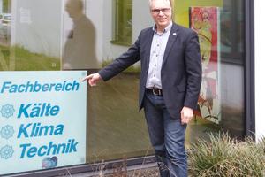 Studiendirektor Rainer Flach verantwortet an der Berufsschule in Gelnhausen die Kälte- und Klimatechnik.