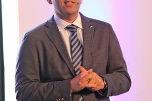 """<div class=""""bildtitel"""">Daikin-Geschäftsführer Gunther Gamst begrüßte die Teilnehmer der LAC. </div>"""
