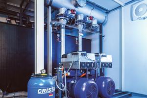 """<div class=""""bildtitel"""">Die Doppelpumpen erhöhen die Verfügbarkeit der Anlage, drehzahlgeregelte Antriebe senken den Energieverbrauch.</div>"""