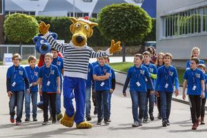 """Beim Maus-Türöffnertag von Ziehl-Abegg in Künzelsau waren die Stars Käpt'n Blaubär & Hein Blöd aus der """"Sendung mit der Maus""""."""