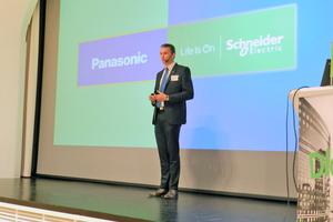 """<div class=""""bildtitel"""">Roland Kerschbaum von Panasonic eröffnete die Veranstaltung.</div>"""