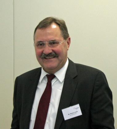 Dr. Bruno Lindl