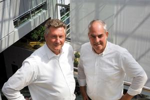 """<div class=""""bildtitel"""">Klaus Heubach (links) von der BHS gemeinsam mit Matthias Tietgen von Condair Systems</div>"""