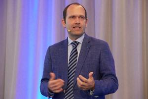 """<div class=""""bildtitel"""">Gunther Gamst, Geschäftsführer Daikin, konnte in den vergangenen Jahren bis zu 600 Teilnehmer auf der LAC begrüßen. </div>"""