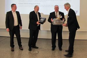 Präsidium, Verwaltungsrat und Geschäftsführung des VDKF sowie alle Anwesenden gratulierten Karl-Heinz Thielmann zu seiner Wahl und wünschten ihm viel Erfolg und eine glückliche Hand für seine neue Herausforderung.