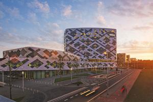 """<div class=""""bildtitel"""">Mit dem neuen Hilton Airport Schiphol Hotel ist die niederländische Hauptstadt um ein neues Wahrzeichen reicher. </div>"""
