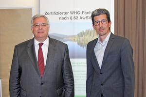 """<div class=""""bildtitel"""">Karl-Heinz Thielmann (links) hat sein Amt als ÜWG-Vorsitzender an Thomas Kleinehr abgegeben. </div>"""