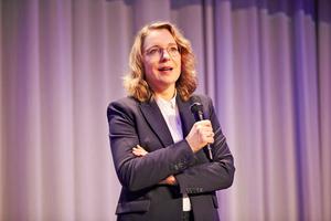 """<div class=""""bildtitel"""">In ihrem Vortrag plädierte Prof. Dr. Kemfert für eine Verknüpfung der Energiesektoren.</div>"""