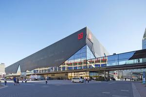 """<div class=""""bildtitel"""">Im Oktober 2018 hat die Messe Frankfurt ihre neue Halle 12 eingeweiht. Mit 33.600 m² auf zwei Ebenen schließt das Bauwerk die letzte Lücke auf dem Westgelände der Messe.</div>"""
