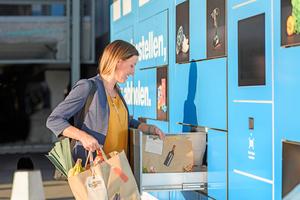 """<div class=""""bildtitel"""">Online bestellen, den Abholstandort auswählen und innerhalb des gewünschten Zeitfensters den frischen Einkauf unkompliziert aus der Box nehmen – fertig. </div>"""