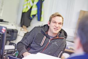 """<div class=""""bildtitel"""">Adrian Baum, Bauleiter der Kramer Dämmtechnik GmbH aus Ludwigshafen</div>"""