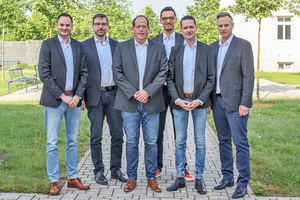 "<div class=""bildtitel"">Olaf Kurek, Benjamin Klasen, Ulrich Lenz, Daniel Weniger, Jörg Tollhausen sowie Stefan Fischer (v.l.n.r.)</div>"