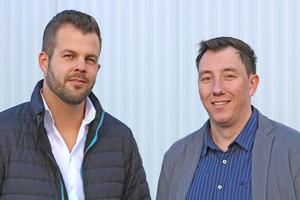 """<div class=""""bildtitel"""">Sven André Reinartz (links) und Dirk Finders, beide Geschäftsführer der Günter Finders GmbH in Herzogenrath: """"Schon bei unserer Simulation der neuen Druckluftstation war klar, dass DMK Ice Cream durch eine Sanierung jährlich über 37.000 € an Stromkosten sowie 745 MWh Wärmeenergie sparen konnte.""""</div>"""