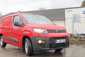 """<div class=""""bildtitel"""">Der Testwagen: Ein """"Citroën Berlingo Worker XL"""" mit 73 kW Diesel und 1.000 kg Nutzlast. </div>"""