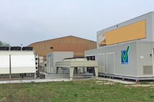 """<div class=""""bildtitel"""">In einem Container direkt neben der Werkshalle hat die neue Wärmepumpenanlage ihren Platz. </div>"""