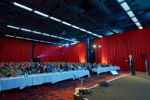 Knapp 300 Teilnehmer, darunter Planer, Handwerker, Architekten und Höhenretter, kamen zum 3. Fachkongress für Absturzsicherheit nach Bonn. Dieses Jahr findet der Kongress in Hamburg statt