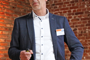 """<div class=""""bildtitel"""">Erwin Hanzel (Wolf GmbH, Mainburg) warb für den Austausch älterer Ventilatoren. </div>"""