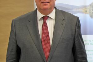 """<div class=""""bildtitel"""">Neben seiner Tätigkeit als VDKF-Präsident ist Karl-Heinz Thielmann nach wie vor in der ÜWG aktiv. </div>"""