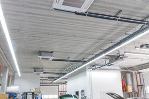 """<div class=""""bildtitel"""">In den Werkstätten sind Klimasysteme der """"Y""""-Serie zum wahlweisen Heizen oder Kühlen installiert. </div>"""