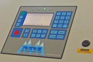 """<div class=""""bildtitel"""">Schaltschrank zur Steuerung der Kompressoren im Maschinenraum</div>"""