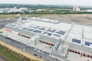 """<div class=""""bildtitel"""">Das Frischezentrum hat eine Fläche von rund 45.000 m².</div>"""