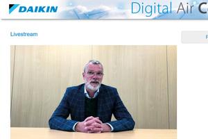 """<div class=""""bildtitel"""">Bernhard Schöner, Leiter Corporate Communication sowie Bereich Marketing Commercial/Industrial bei Daikin, begrüßte die Teilnehmer der Tagung persönlich im Live-Stream. </div>"""