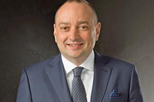 "<div class=""bildtitel"">Hermann Sperber, wiedergewählter Präsident BTGA e.V.</div>"