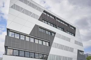 """<div class=""""bildtitel"""">Ab dem Wintersemester 2021/22 soll im neuen """"Kompetenzzentrum Mobilität"""" der FH Aachen geforscht und studiert werden. Entworfen wurde der Neubau vom studioMDA, New York. </div>"""