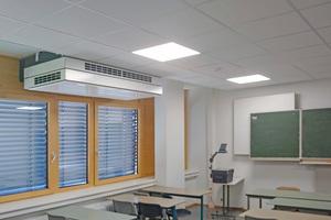 """<div class=""""bildtitel"""">Um Unterrichts- und Funktionsräume der sanierten Anne-Frank-Gesamtschule mit ausreichend frischer Luft zu versorgen, wurden dezentrale Lüftungsgeräte eingebaut. </div>"""