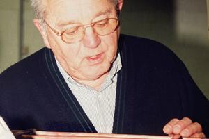 """<div class=""""bildtitel"""">Herbert Kaulbach, wie man ihn in Erinnerung behalten wird – hier als Prüfer beim Bundesleistungswettbewerb</div>"""