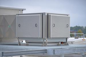 """<div class=""""bildtitel"""">Der """"CoolStream-V"""" ist das adiabatische Kühlsystem von Colt als Teil der """"Tristar""""-Anlage.</div>"""