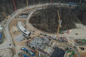 """<div class=""""bildtitel"""">Das Foto zeigt den aktuellen Stand des Tunnelbaus für den SIS100-Ringbeschleuniger im April 2021.</div>"""