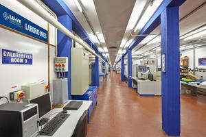"<div class=""bildtitel"">LU-VE Laboratorien in Uboldo</div>"