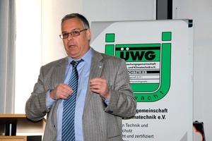 ÜWG-Vorstandsvorsitzender Karl-Heinz Thielmann stellte die Mitglieder vor die Wahl: Auflösung der ÜWG oder Fortbestand unter neuen Bedingungen<br />