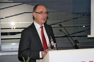 """<div class=""""bildtext"""">Prof. Dr. Ulrich Pfeiffenberger, Fachverband Gebäude-Klima e.V., stellte in seinem Statement die wachsende Bedeutung der Lüftungs- und Klimatechnik heraus </div>"""