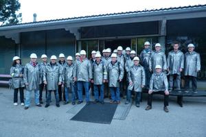 """<div class=""""bildtext"""">Teilnehmer beim Besuch des Silberwerkwerks in Schwaz</div>"""