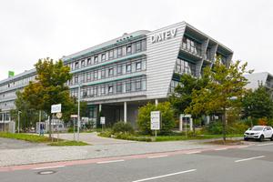 """<div class=""""bildtitel"""">DATEV in Nürnberg</div>"""