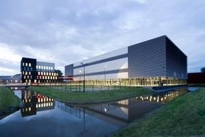 """<div class=""""bildtitel"""">Gewinner des Green Data Center Award 2012: Equinix AM3 Amsterdam</div>"""