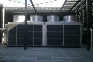 """<div class=""""bildtitel"""">Herzstück des Konzepts: die Hybriden Trockenkühler von JAEGGI Hybridtechnologie AG</div>"""