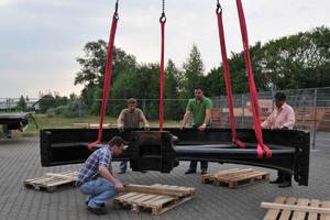 """<div class=""""bildtitel"""">Das Schwungrad hat einen Durchmesser von 4,8 m.</div>"""