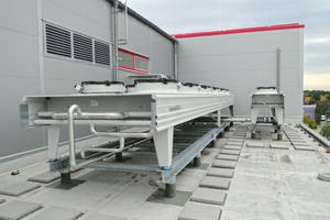 """<div class=""""bildtitel"""">Luftgekühlter Verflüssiger (R744), Rückkühler für nicht benötigte Abwärme</div>"""