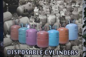 """<div class=""""bildtitel"""">Die Firma AHC versucht in Thailand vor den Folgen der Verwendung von Kältemitteleinwegflaschen zu warnen</div>"""