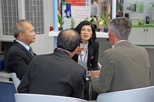 """<div class=""""bildtitel"""">Jintana Sirisantana (Chairperson Air Conditioning and Refrigeration Industry Club, mitte) und Netitam Puyakul (President Thai Refrigeration Association, links) stellten sich den Fragen der KKA-Redaktion. </div>"""