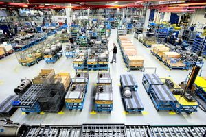 """<div class=""""bildtitel"""">Einblick in die Produktionshalle von Bitzer in Rottenburg</div>"""