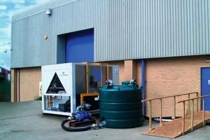 Geballte Kältepower: eine Großkälteanlage mit einer Kühlleistung von 375 kW, Pumpe und Puffertank<br />