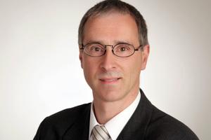 """<div class=""""bildtitel"""">Dr. Ralf Catanescu</div>"""