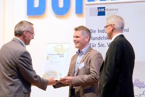 """<div class=""""bildtitel"""">Mehrere Auszeichnungen hat das Green-Refnet-Projekt bereits erhalten, darunter den Umweltpreis Rheinland-Pfalz, 2014 und – hier im Bild – den 1. Preis bei """"ERNIE"""" (Energiepreis Rhein-Lahn). </div>"""